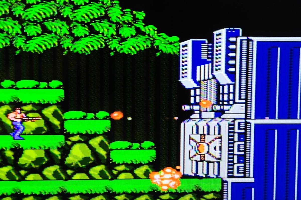 Contra on NES Emulator